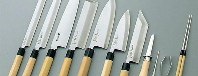 un mondo di coltelli